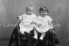0847-Portrait-Twins-847