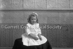 0898-Portrait-Little44B574
