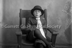 0944-Portrait-Young-44B60B