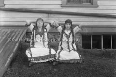 0961-Two-Girls-Dress44B61C
