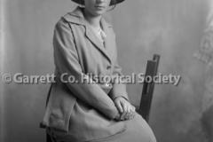 0986-Portrait-Woman-44B635