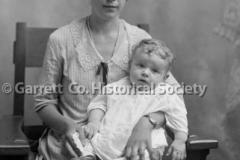 0988-Portrait-Mother44B637