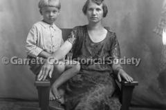 0990-Portrait-Mother44B639