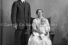1048-Mennonite-Famil44B8A8