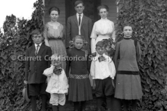 1050-Family-Portrait44B8AA