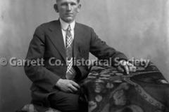 1077-Portrait-Ernest44B8C9