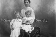 1078-Portrait-Mother44B8CA