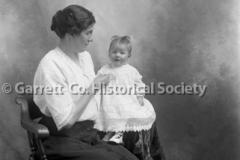 1080-Portrait-Mother44B8CC