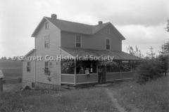1120-House-Family-on44B903