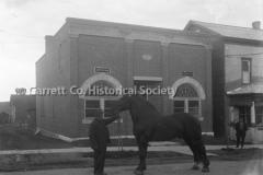 1123-Man-Horse-Fir44B908