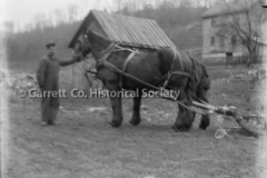 1170-Man-with-Horse-44B939