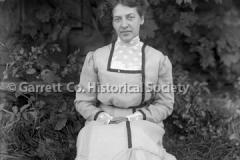 1232-Portrait-Woman-70A
