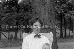 1248-Portrait-Mother44B985