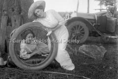 1332-Women-in-Tire-44B996