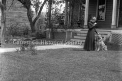 1392-Woman-in-Yard-w44BA1A