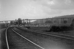 1530-Train-Tracks-Me44BAEA