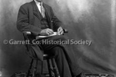1531-Portrait-Seated44BAEB