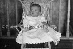 1555-Baby-in-Wicker-44BB06