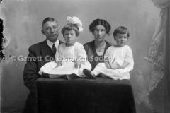 1606-Family-Portrait-463A