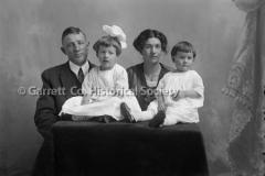 1607-Family-Portrait-464A