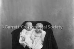 1628-Portrait-Twins-485A