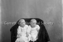 1629-Portrait-Twins-486A