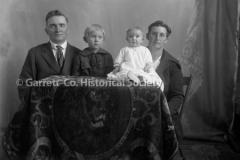 1638-Family-Portrait-495A