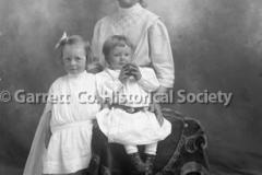 0156-Mother-Children-135