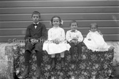 0172-Four-Young-Chil44B311