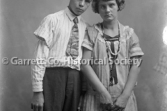1838-Young-Couple-683A