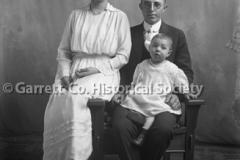 1895-Family-Portrait-755A