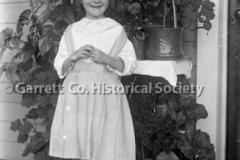 1950-Little-Girl-810A