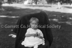 2035-Portrait-Little44BF08