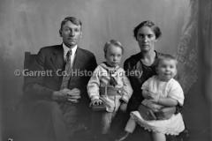 2045-Family-Portrait-903A