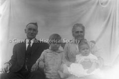 2195-Family-Portrait-56B