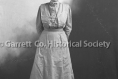 2201-Mennonite-Woman-62B