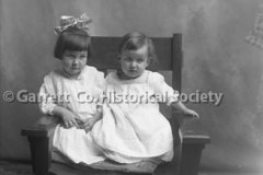 2247-Two-Small-Child44C038