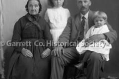 2373-Family-Portrait-233B