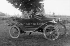 2388-Children-in-Car-248B