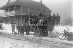 2516-Winter-Road-Crew-28C