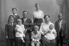 2533-Family-Portrait-45C