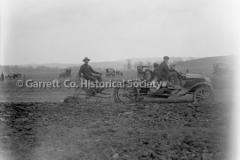 0338-Plowing-with-Mo44B3F0