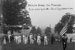 0409-Berlin-Band-on-44B438
