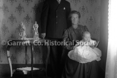 0659-Couple-with-Baby-659