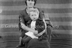 0681-Portrait-Mother44B5C8