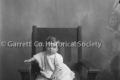 0696-Portrait-Young-44B5DB