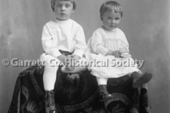 0774-Two-Small-Child44B6D8